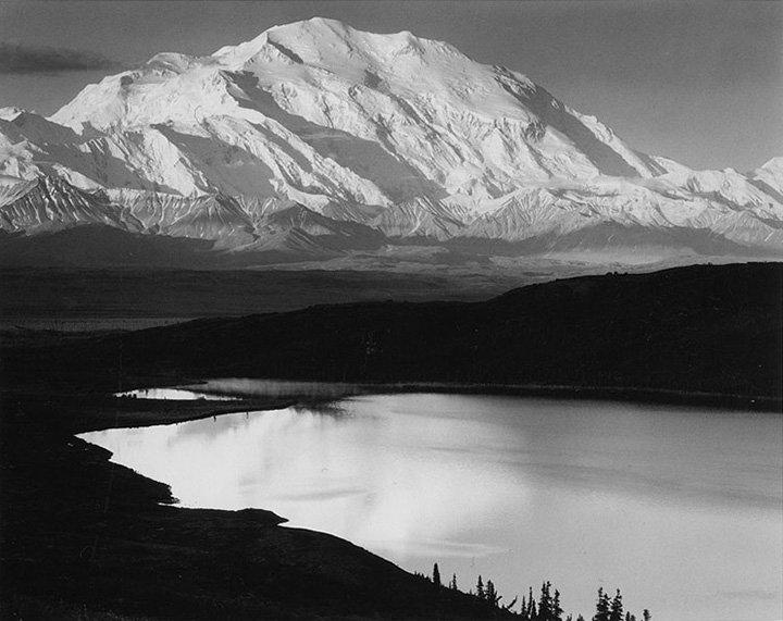 安塞尔·伊士顿·亚当斯(Ansel Adams)  Mount Mckinley And Wonder Lake, Alaska, 1948  1949年印制版